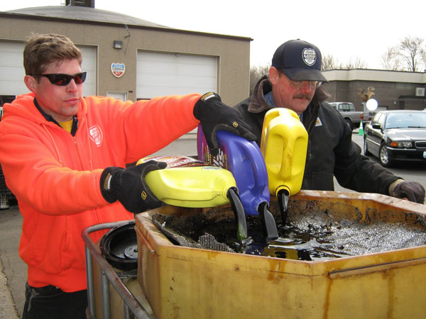 Where to recycle motor oil for How to recycle used motor oil